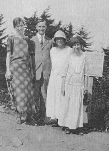 Robert McQuilkin with his wife Marguerite and two others outside Asheville, N.C.