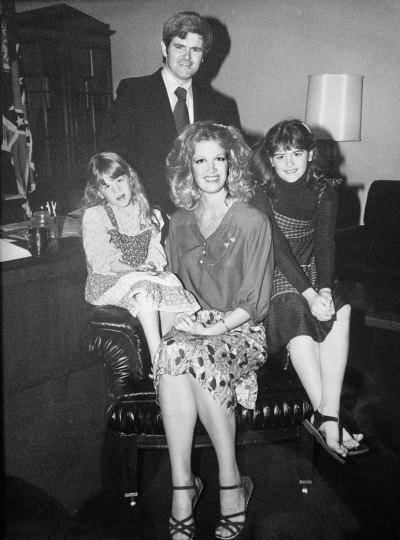 Newt Gingrich with Cathleen Keele and her daughters (L-R) Monica and Tiffany in May of 1977