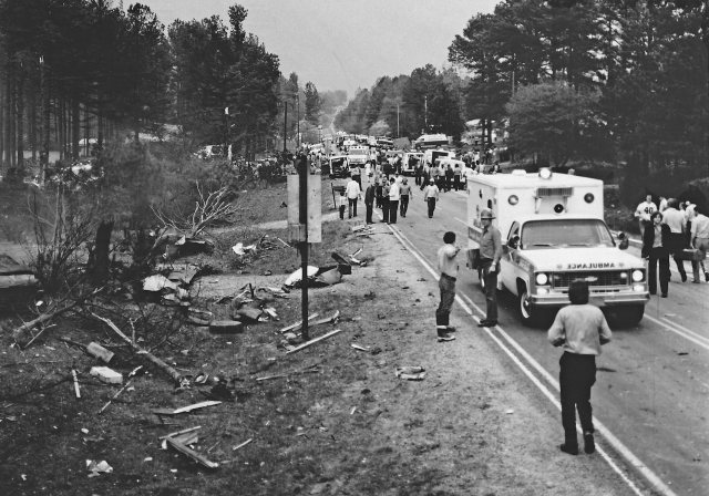 View up Highway 92 Spur (now Dallas-Acworth Hwy of crash landing site
