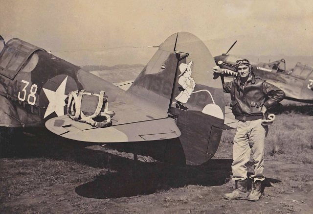 "Dallas ""Big Bear"" Clinger, wingman for Col. Robert L. Scott, and his P-40 ""Holdin' my Own"""